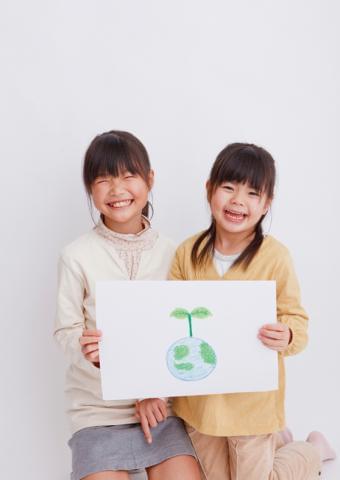 <勤務地はいずれも西東京市内>子どもとのふれあいを楽しみながら仕事に取り組めます!