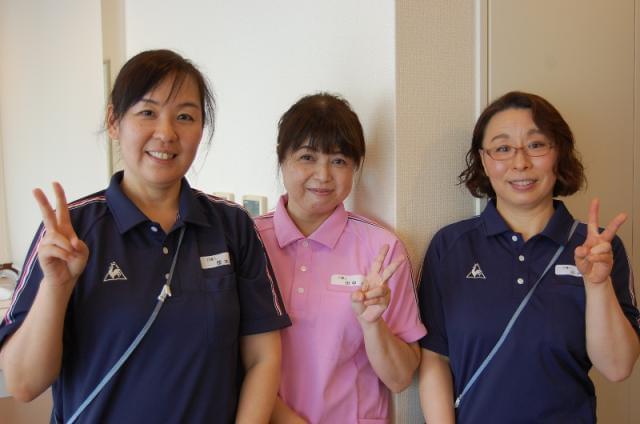 幅広い年齢のスタッフが活躍中!仲間になりませんか?★阪急六甲駅より、無料シャトルバスの運行あり!