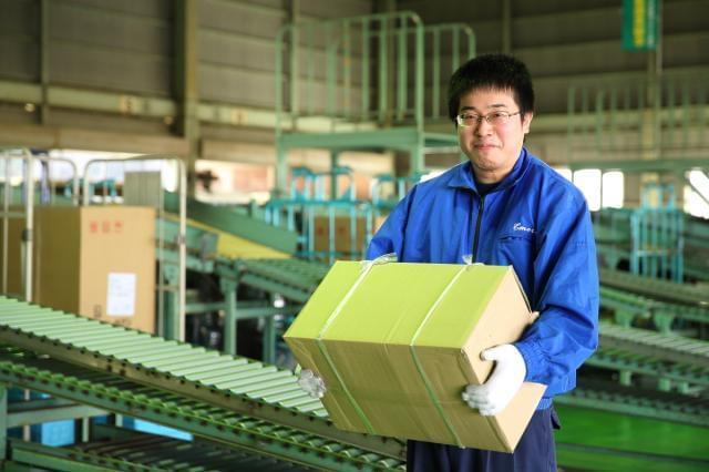 倉庫内は作業しやすいように工夫されています!体力に応じて仕事をおまかせ!荷扱いのコツもしっかりお教えしますよ!