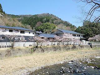 五條市西吉野町の地域に密着した施設です!