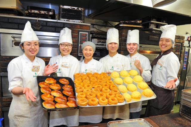千葉県内に7店舗を展開中♪焼きたてパンの柔らかい香りに包まれて、あなたも一緒に活躍しましょう。