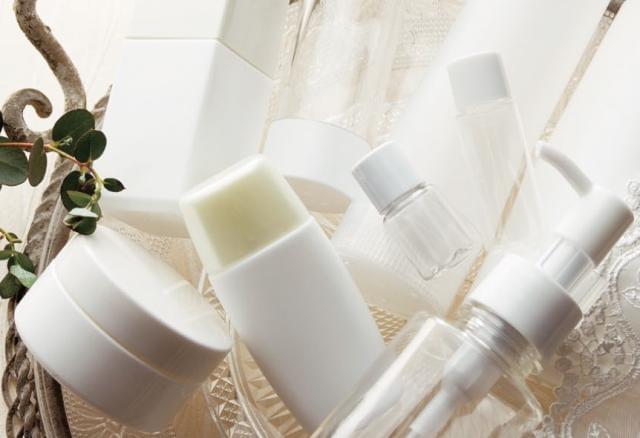 昭和7年創業の老舗企業。医薬品や化粧品容器などの開発~物流まで一貫して行っています。