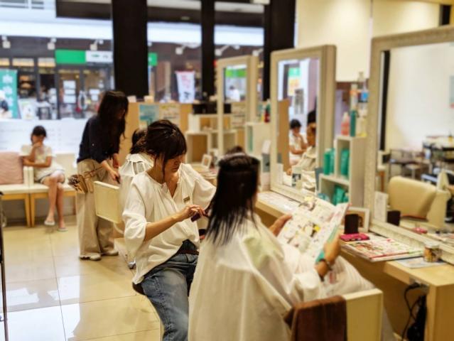 勤務先は東上線「ふじみ野駅」より徒歩5分のショッピングセンター内。