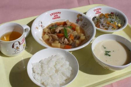 『龍谷保育園の厨房』名阪食品株式会社 大阪事業部(3733)