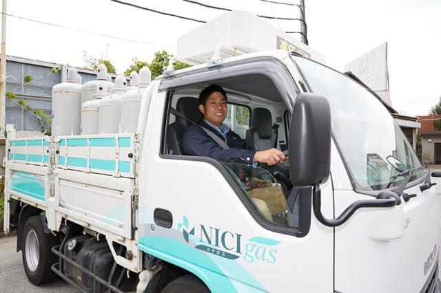 自分はデスクワーク向きだと思っていたけど・・・ 案外、トラックも似合ってますね(笑)。