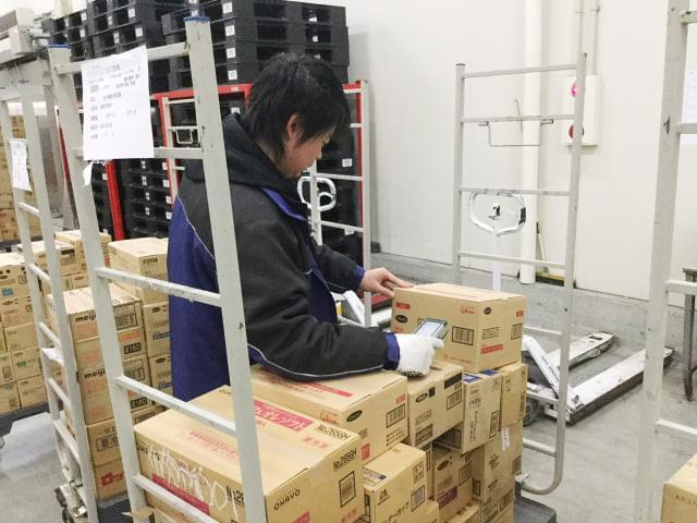 冷蔵・冷凍倉庫内でのお仕事。 夏は涼しくて快適な職場です。