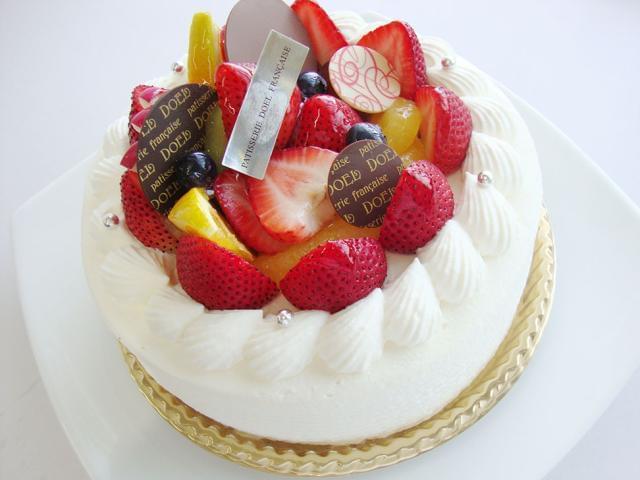 きらきら光る宝石みたいなケーキの製造を、お手伝いできちゃう楽しいお仕事♪