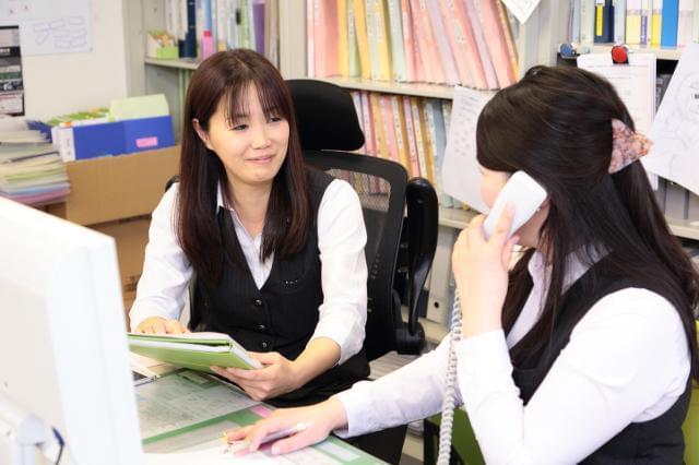 職場は、各線「天満橋」駅徒歩1分と、アクセス便利な好立地!女性が多く活躍する会社なので、社内は和やかな雰囲気ですよ♪