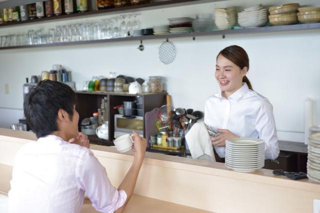 ちょっぴり大人なカフェで働くことも♪ イベント開催したり、いろんな経験ができますよ。