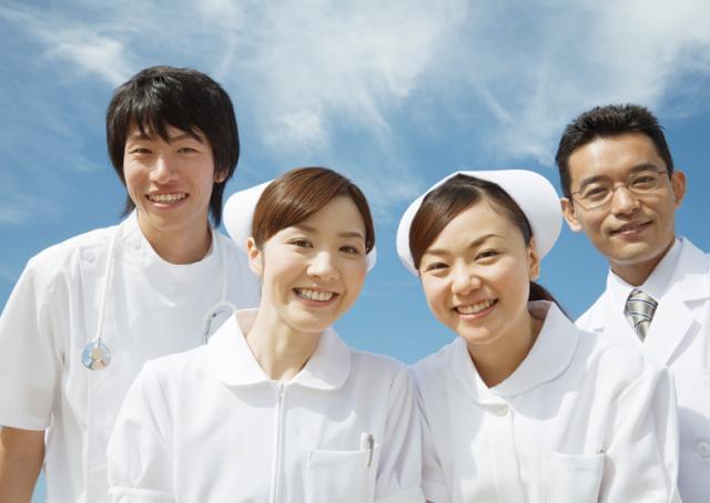平成20年開設の『県西在宅クリニック』。 自宅で安心して暮らすためのサポートをしています。