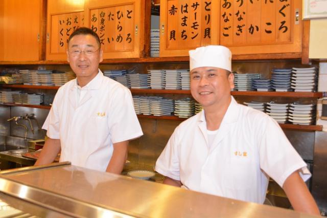 お客様に自分の握ったお寿司を目の前で食べていただく、こんな面白い仕事は他にありません!≪社長より≫