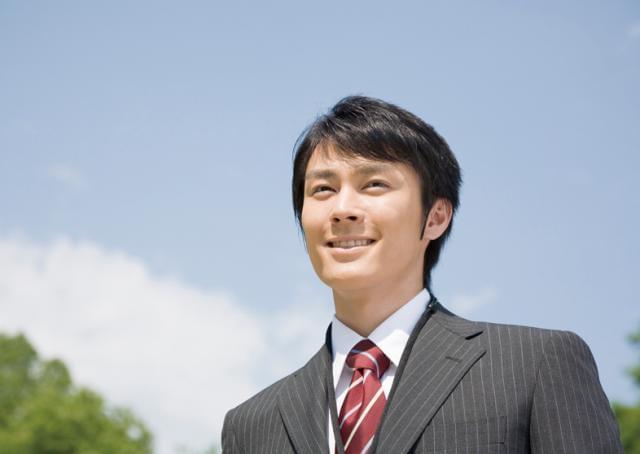 【営業スタッフについて】働きながら資格取得を目指せます。