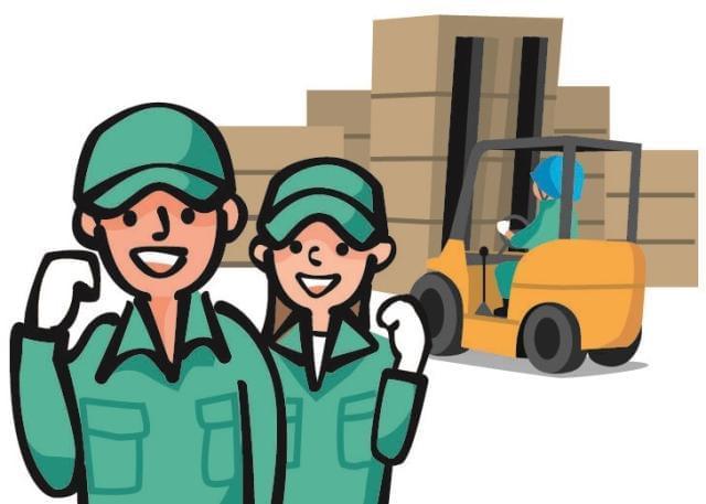 リーチリフトに乗って倉庫内の管理業務