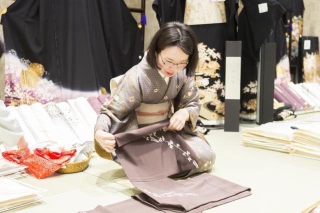未経験から始められる着物の接客・販売スタッフ募集。