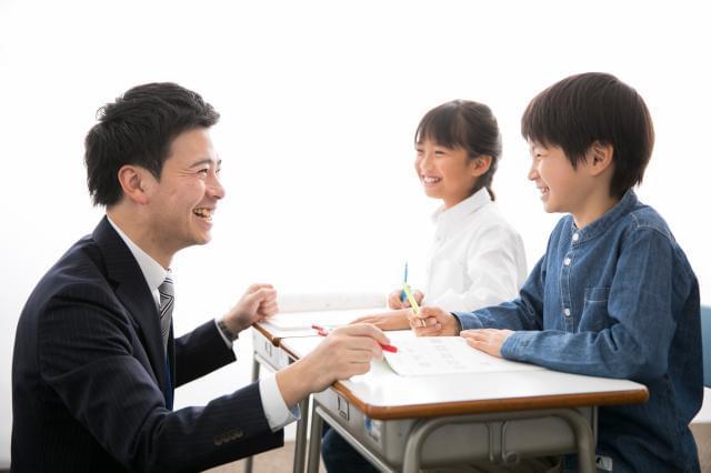 20〜40代の方まで幅広い講師が活躍中。風通しの良い職場は、居心地抜群ですよ。
