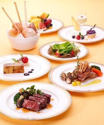 私たちが作った機内食が、世界中の大空で多くの方に楽しまれています。