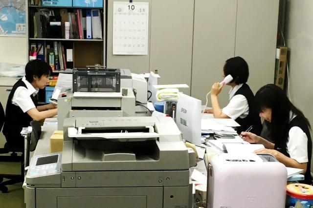 20~30代のスタッフが非常に多く、活気のある職場環境ですよ♪