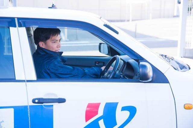 車の運転をすることが多くあります。安全に、丁寧に、マナーを守って。急いでいてもスピードは抑えて!
