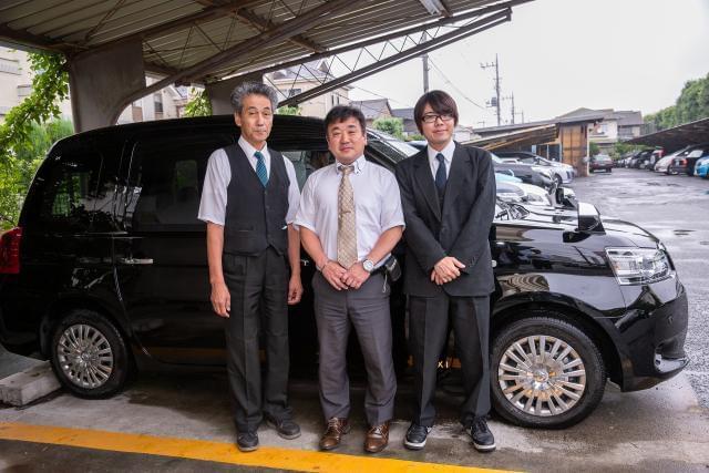 異業種からの転職組が多数活躍中! 定年退職後のセカンドワークも歓迎です。 昭和27年創業の老舗タクシー会社です。自由度の高い社風で、のびのびと働ける環境が乗務員からも好評!