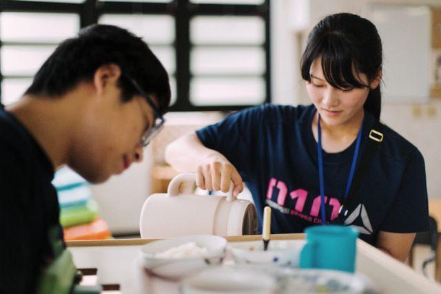 資格や経験は要りませんよ♪活躍中のアルバイトスタッフも殆どが未経験スタートです。