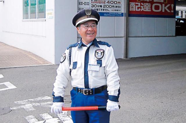 大阪を中心に総合警備・ビル建物管理を行っている会社です。