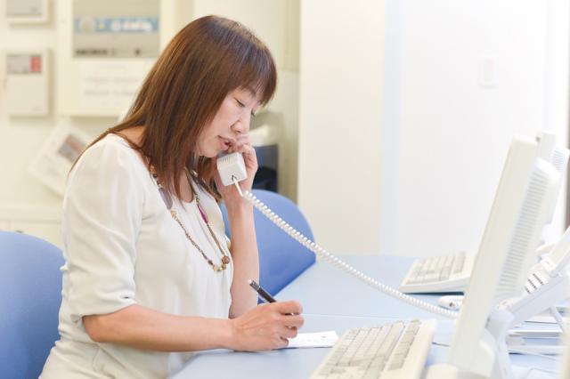 30代~40代の女性社員が活躍している職場です。お仕事に慣れるまではじっくり丁寧に指導するので安心してください。