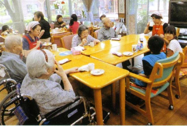 子どもからお年寄りまで、みんなの笑顔が溢れる施設♪