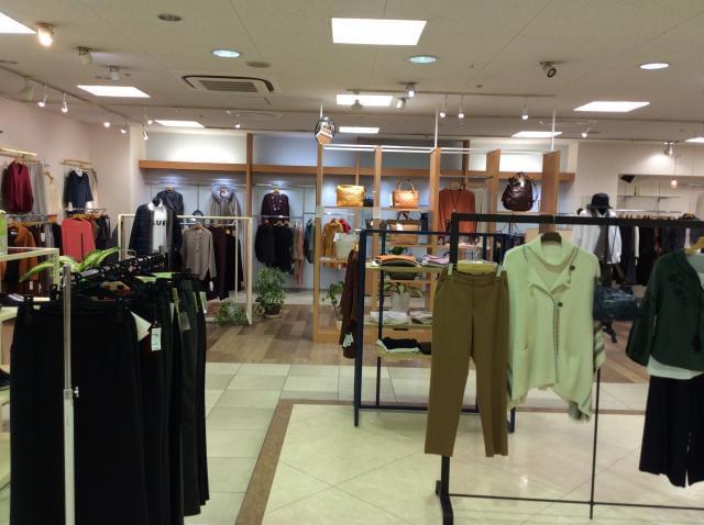 都内のファッションビルで販売されている国内メーカーの商品を集めたセレクトショップです!