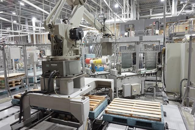 『ニシカワ印刷』は生産設備を充実させ、付加価値を追求しています。
