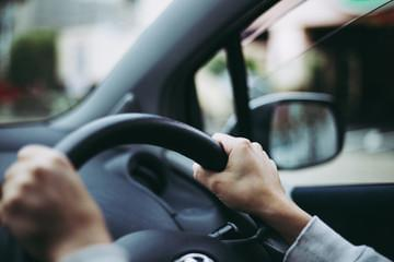 ドライバー不足が懸念されている今【だからこそ】しっかり稼げるんです!