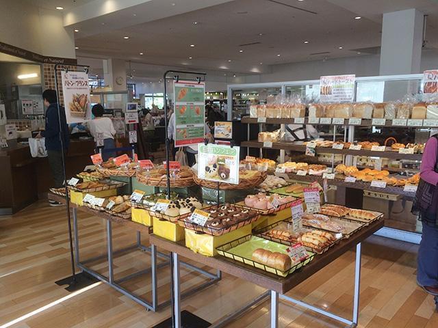 未経験OK!経験者はもちろん大歓迎!種類豊富なおいしいパンがたくさんの阪急ベーカリーで働きませんか♪