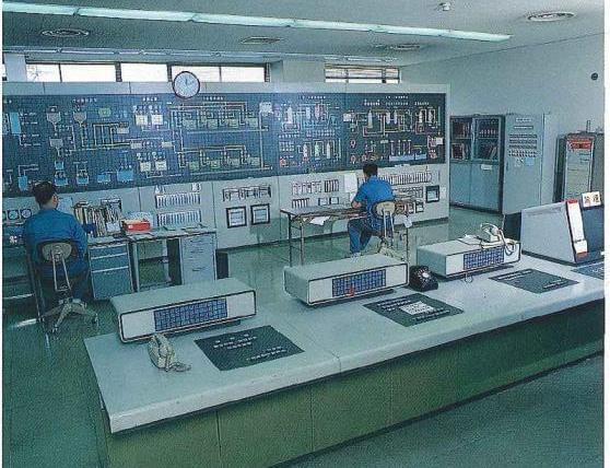 電気、機械、分析・・・当社ではあらゆる分野の技術者が能力を最大限に発揮しています。