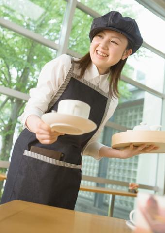 お客様に満足して頂く為に、スタッフみんなが楽しくやりがいを持って仕事に取り組める職場環境を目指しています♪