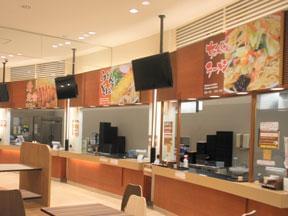 土山サービスエリアのフードコートではラーメン、うどん、そば、定食、丼などさまざまなメニューをご用意しております。