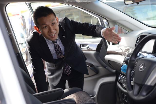 車や運転が好きな方はもちろん、人の笑顔が好きな方、大歓迎! お客さまと触れ合いながら、楽しく働けますよ◎