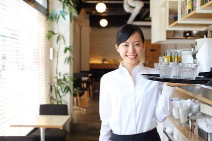 未経験から正社員になれる飲食求人がたくさん! いろんなお仕事の中から、自分に合ったものを選べます♪