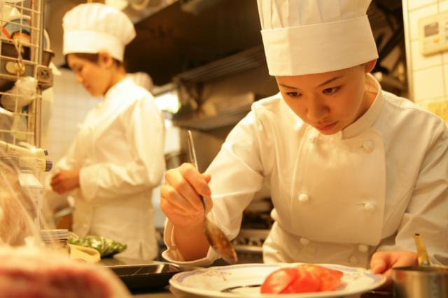 旬の素材や調理法を追求。すべて手作りの本格フレンチを提供しています