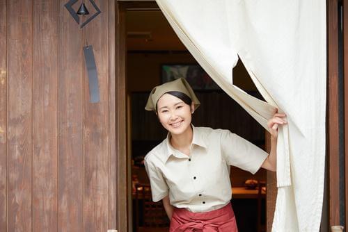 ヘルシーな韓国丼で人気のFCを展開中!これから成長が期待される企業で、コアメンバーとして活躍するチャンスです。