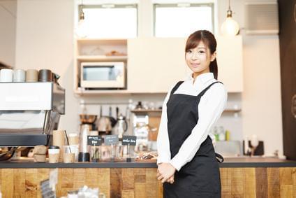 雰囲気のいいお店で気持ちよく働けます♪ 背筋を伸ばして、接客してくださいね。