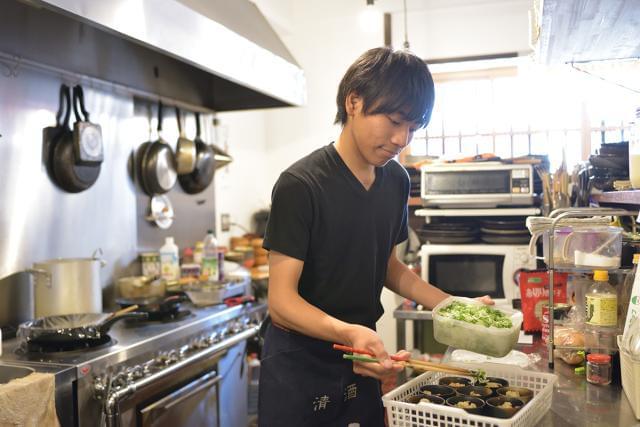 全国200店舗以上!東証一部上場企業が運営する居酒屋ブランドで、調理をお任せします。未経験から活躍している先輩も多数◎