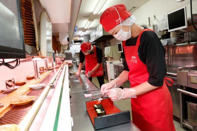 土・日・祝日は時給50円UP!まかない(30%割引)!お寿司が お得に味わえる食事券がもらえるメリットも◎