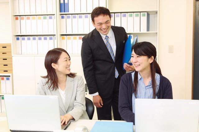 職場では中高年スタッフが活躍中。 とても和やかな雰囲気だから、新人さんもきっとスグに馴染めますよ◎