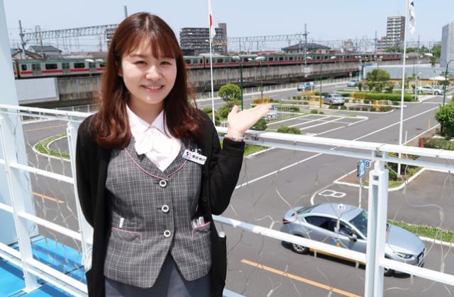 女性事務員は12名☆24〜27歳の若手スタッフが中心で活躍中です!