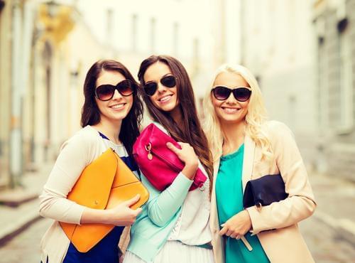 ファッション・アパレル・コスメ販売ならスタッフブリッジ。業界トップクラスの求人数と時給をご用意★さらに【交通費全額】【履歴書不要】【現地面接アリ】など・・・働きやすさ抜群!