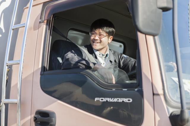 ドライバーは月給25万円以上。 お持ちの経験やスキルによってさらに優遇致します。
