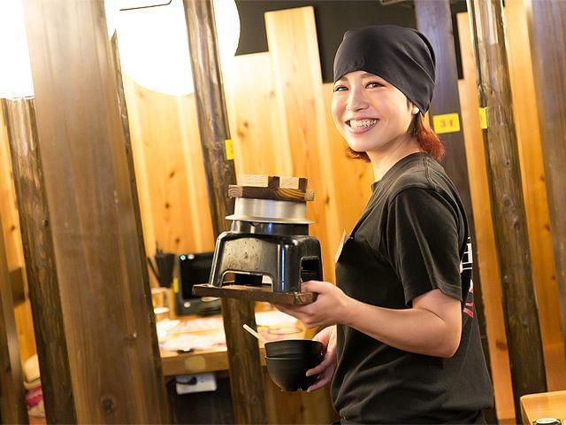 「鳥貴族」のFC加盟店で業界トップシェアを誇る当社。 飲食業界でも高い給与水準でお迎えします!