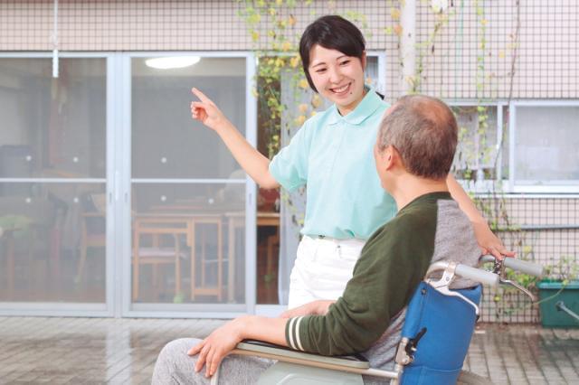 未経験から介護の仕事を目指す方、次のステップや介護福祉士を目指す方を応援します。