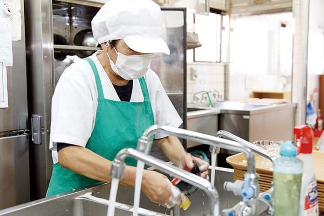 イチから丁寧に教えるので未経験の方も安心◎料理の盛り付けや、片付け・清掃などをメインにお任せします♪