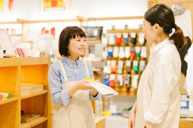 商品ができ上がるまでのストーリーも含めてお客様へお伝えしています。