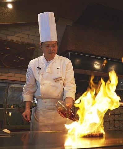 早く美味しいものを届けるために、あなたのお手伝いが、調理の現場で光ります!